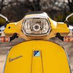 Foto producto Vista frontal color amarillo vista detalle óptica delantera