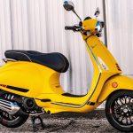 Foto producto Vespa sprint s color amarillo. Vista lateral izquierda